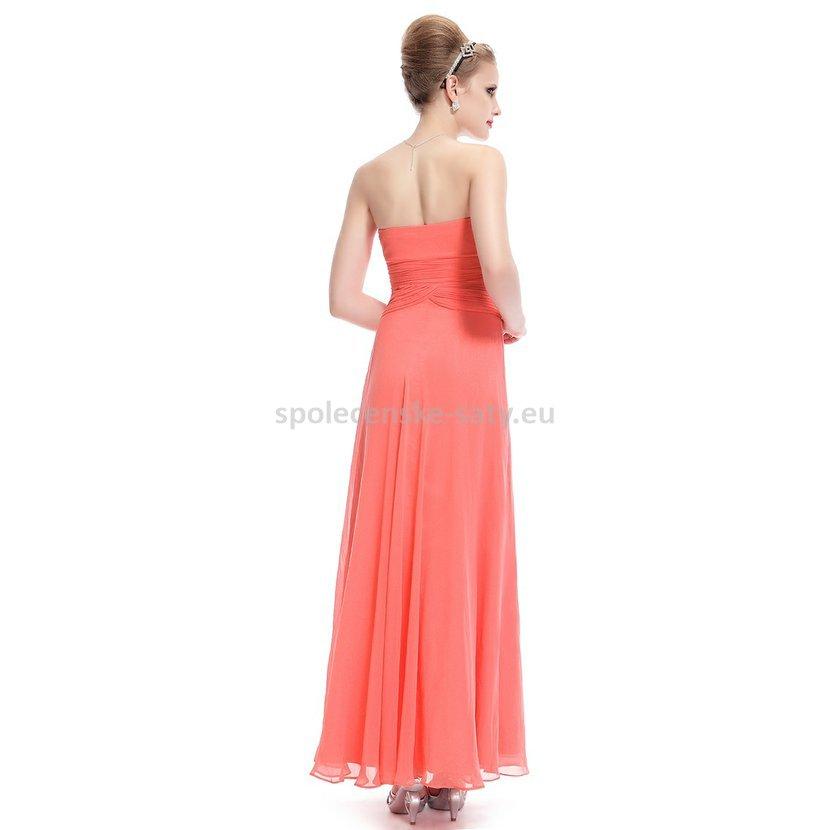 korálové dlouhé šifonové šaty bez ramínek na letní svatbu pro svědkyni 09454cae90e