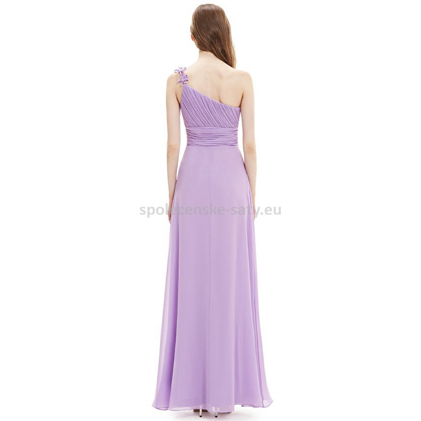 57704a9153c Levandulové dlouhé plesové šaty na jedno rameno jednoduché levné 36 S. levné  plesové šaty lila Ostrava Frýdek Třinec Bohumín
