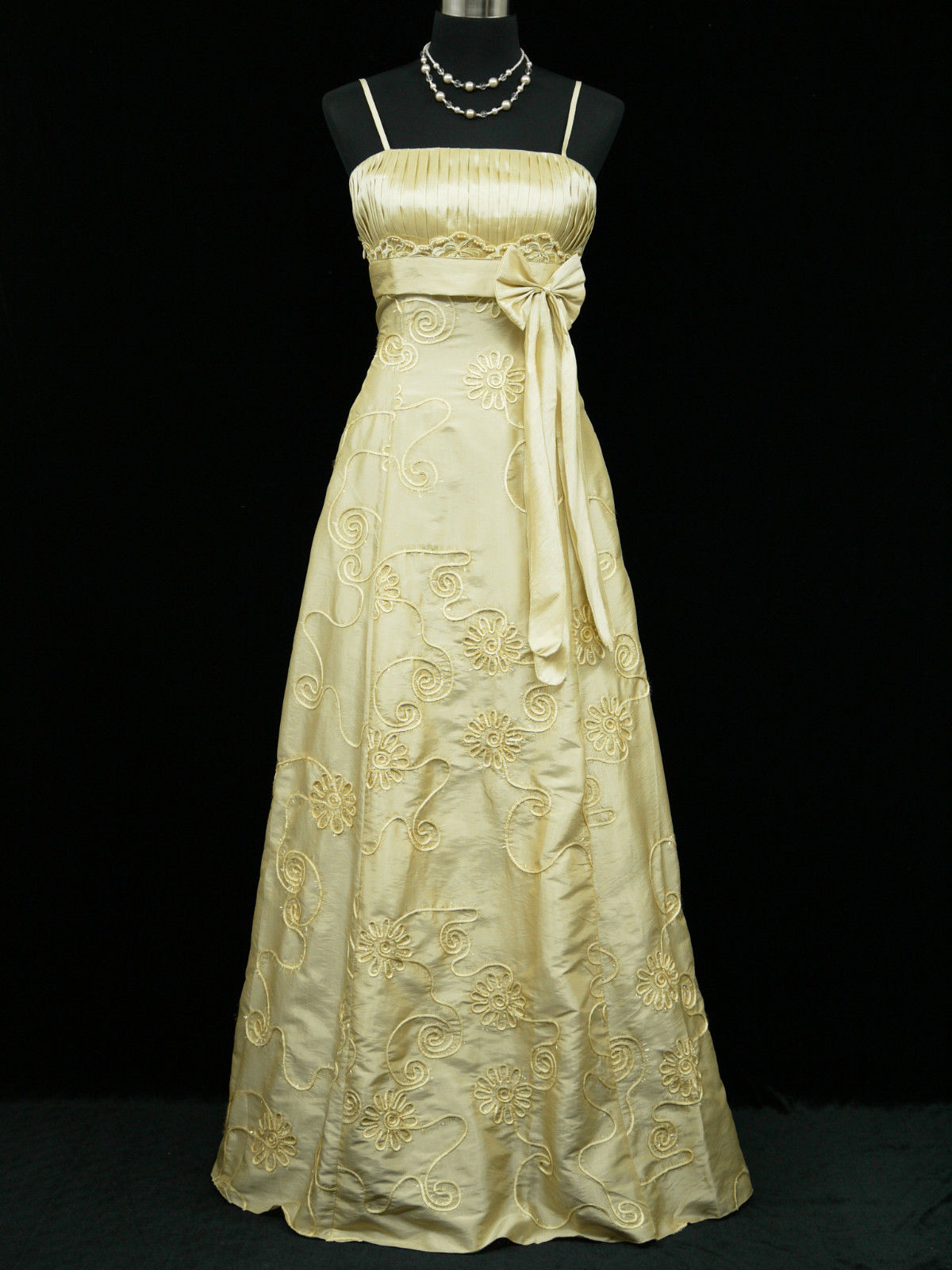 Béžové zlaté svatební společenské šaty 42-44  dd40f7d5cdb