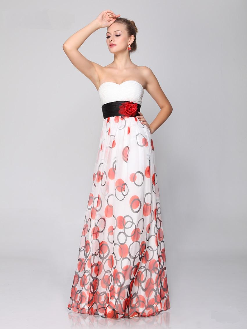 Výprodej outlet šatů na ples svatebních šatů na svatbu  2daa7268f2a
