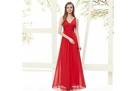 f80db0a1692 Plesové a společenské šaty i nadměrné