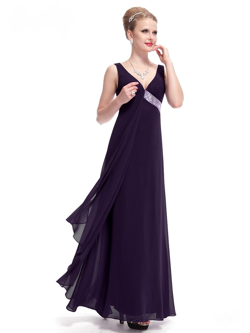 Výprodej outlet šatů na ples svatebních šatů na svatbu  0ba186e5da4