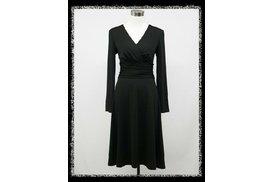 313134d00737 Černé krátké šaty víceúčelové