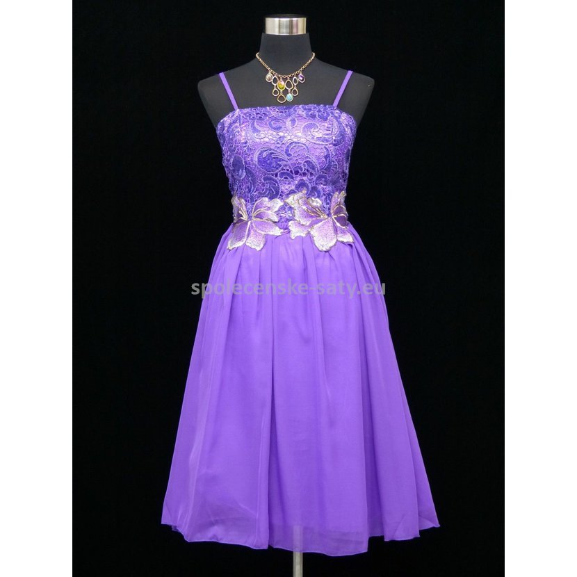 ef27d7a6bbc8 ... Fialové krátké plesové šaty na svatbu ples 40-42. fialove-kratke-saty -na-svatbu1.jpg