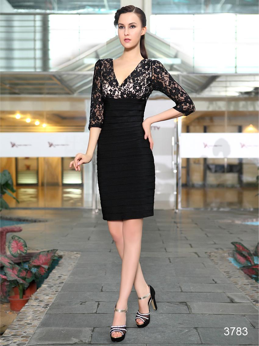 Černé krátké pouzdrové šaty koktejlky s 3 4 rukávem z krajky 38 M ... 60b93f8bed