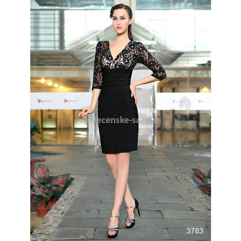 4ebdf4a79f56 Černé krátké pouzdrové šaty koktejlky s 3 4 rukávem z krajky 38 M ...