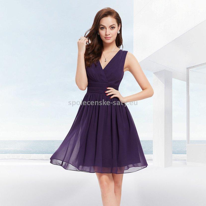 9903ec533922 Fialové krátké šaty společenské na hrubší ramínka pro svědkyni 36-38 ...