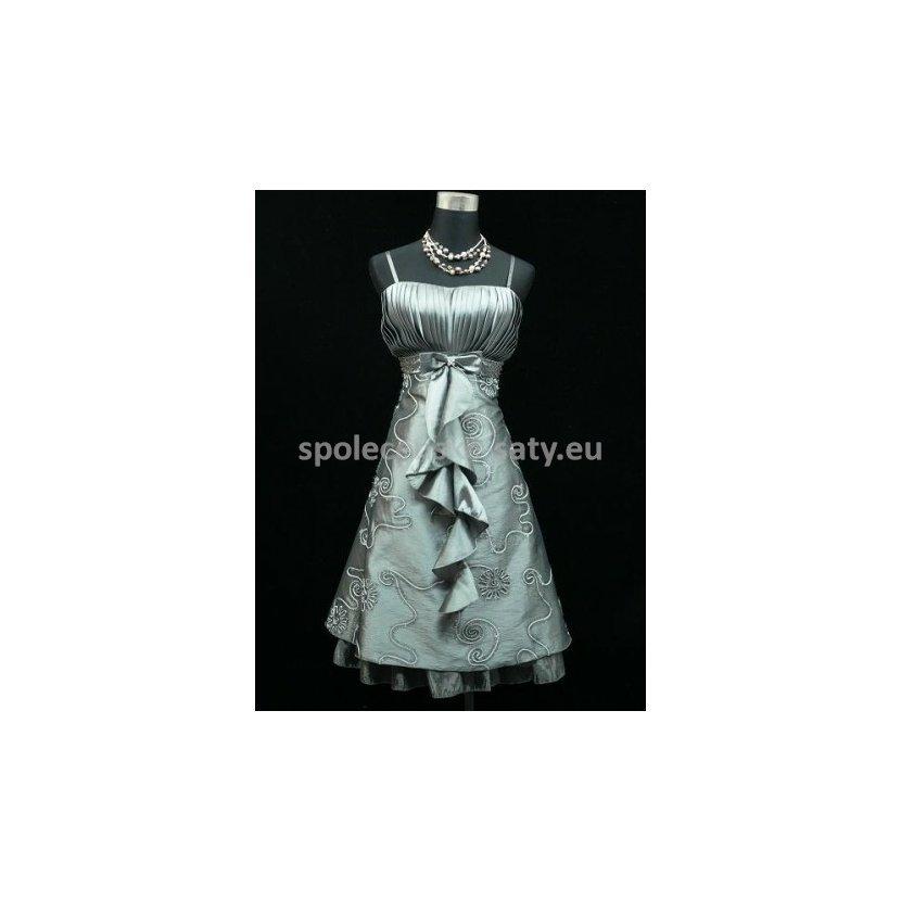 Stříbrné krátké společenské plesové šaty na svatbu pro plnoštíhlé 48 ... a3ba877179
