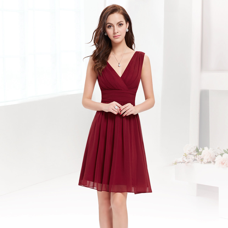 Vínové krátké společenské šaty na hrubší ramínka 44 XXL ... b7f4ccb2c6