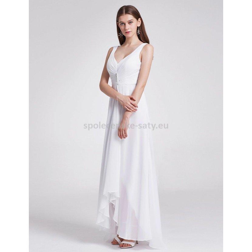 ee36e0b9a2f3 Bílé dlouhé společenské šaty na hrubší ramínka vpředu kratší 40 L ...