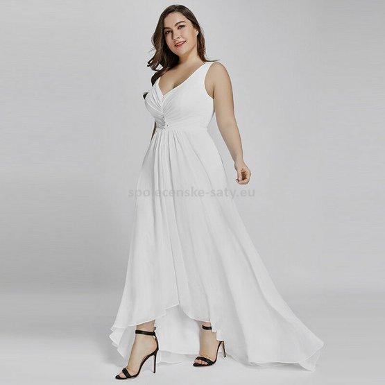 b11252cd5ab5 Bílé dlouhé společenské šaty na hrubší ramínka vpředu kratší 50-52 ...