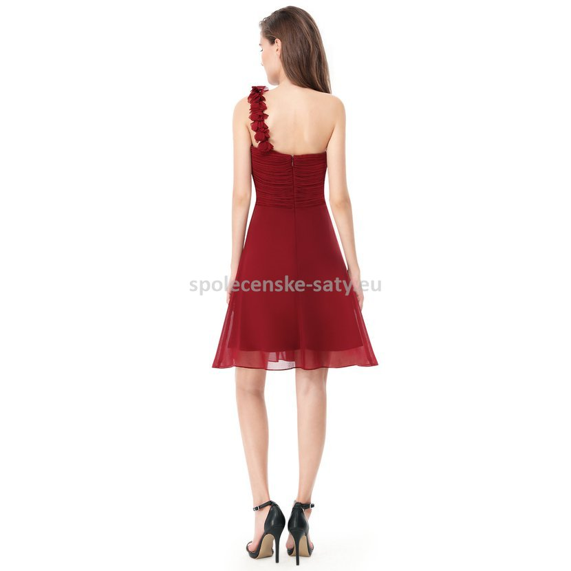 Vínové krátké společenské šaty koktejlky na jedno rameno 44 ... a554db476f