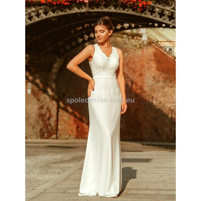 Svatební šaty s vlečkou a krajkou pouzdrové krémově bílé 38-40 ... 6a07fcdf190